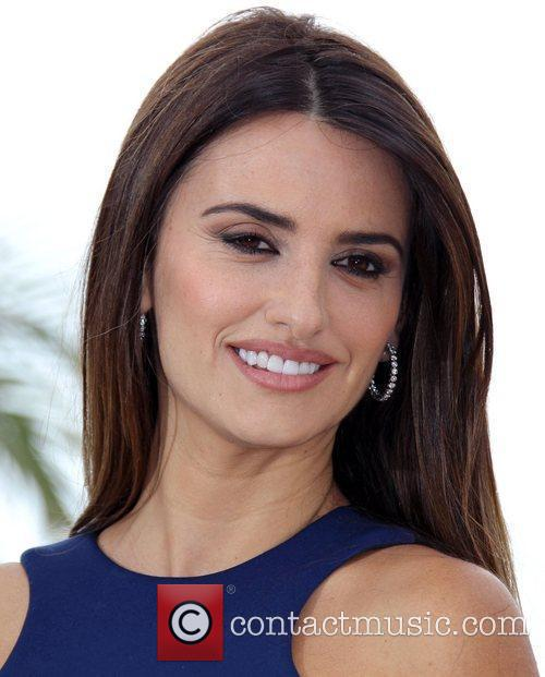 Penelope Cruz Hair, Long Hairstyle 2011, Hairstyle 2011, New Long Hairstyle 2011, Celebrity Long Hairstyles 2231