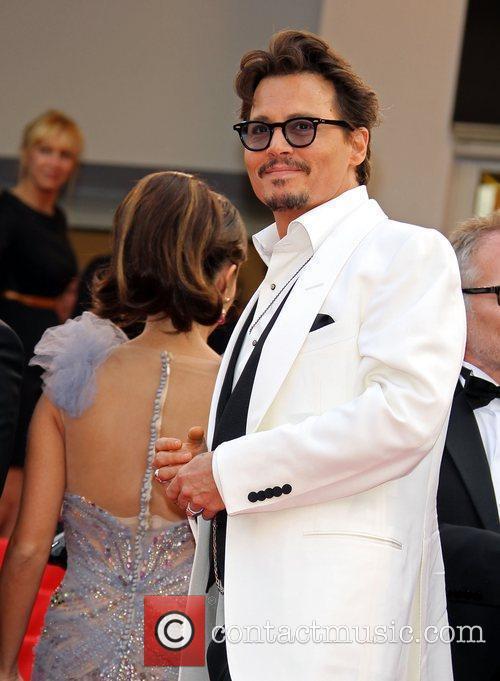 Penelope Cruz and Johnny Depp 11