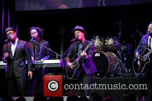 Bruno Mars Candie's Foundation 2011 event to prevent...