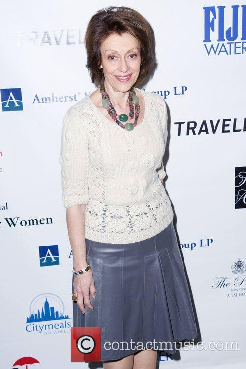 *file photo* * EVELYN LAUDER LOSES CANCER BATTLE...