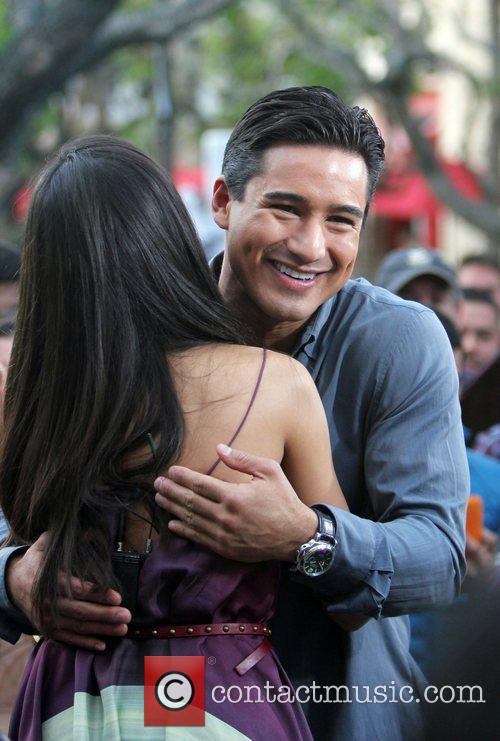 Freida Pinto and Mario Lopez 4