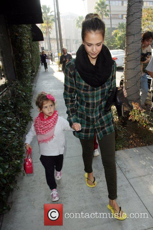 jessica alba and her daughter honor marie 3614404