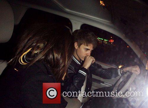 Selena Gomez and Justin Bieber 7
