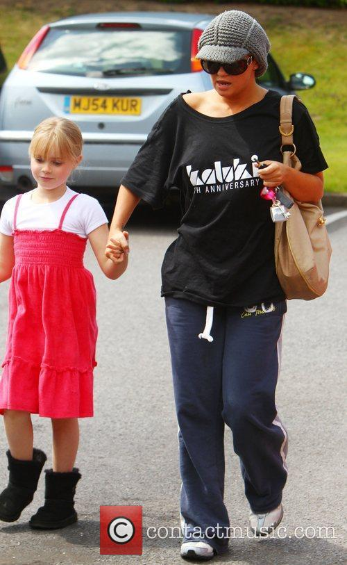 Leaves her mother's house with her daughter to...