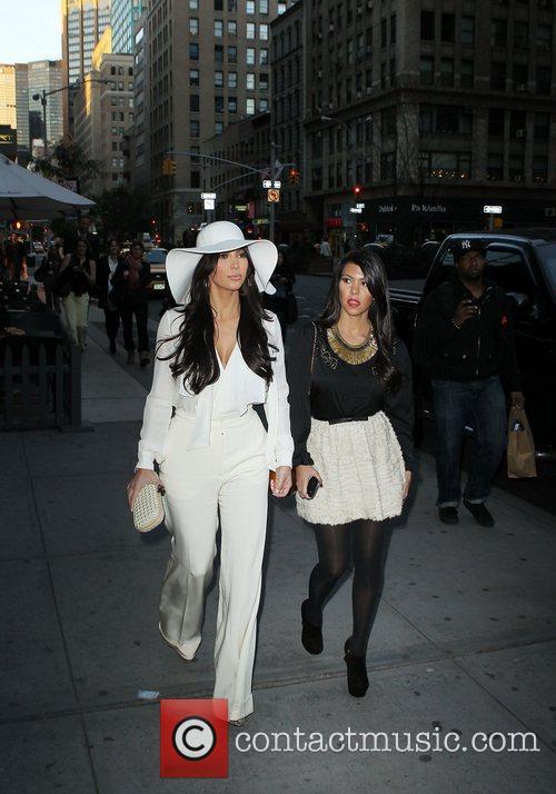 Kim Kardashian and Kourtney Kardashian 12