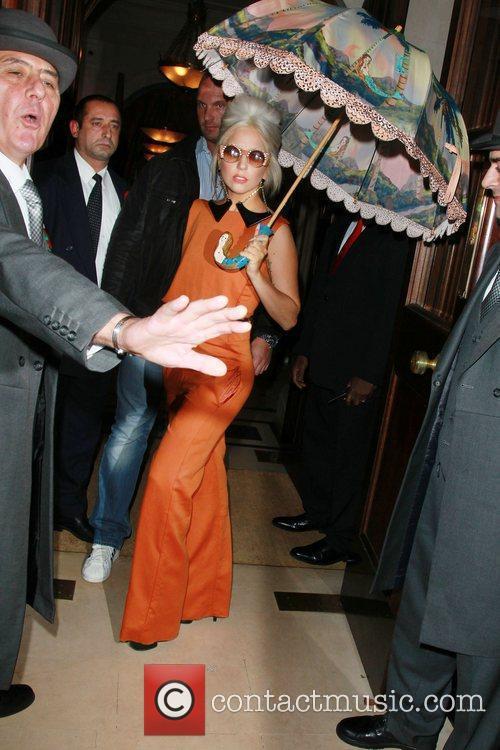 lady gaga leaving her hotel london england   041111 3593096