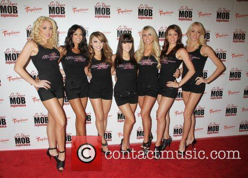 X Burlesque Girls 9