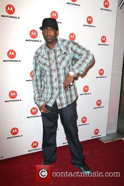 Tony Yayo  the DROID RAZR by Motorola...