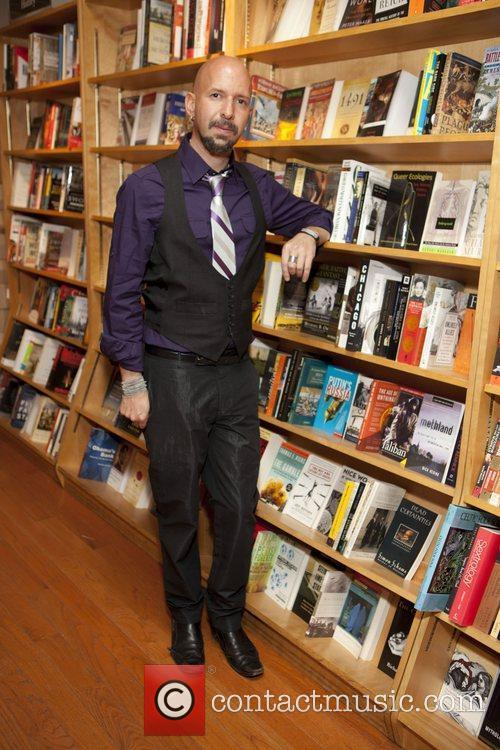 Neil Strauss  signs copies of his book...