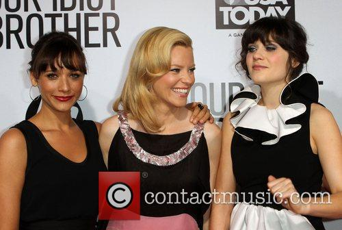Rashida Jones, Elizabeth Banks and Zooey Deschanel 4