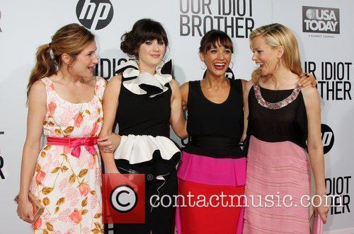 Kathryn Hahn, Elizabeth Banks, Rashida Jones and Zooey Deschanel 1