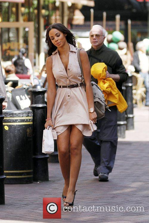 Rochelle Wiseman and The Saturdays 7