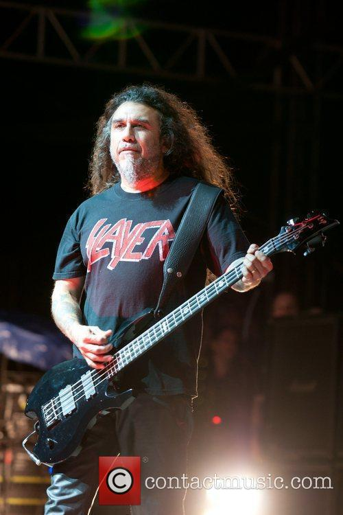 tom araya of the band slayer performing 3599995