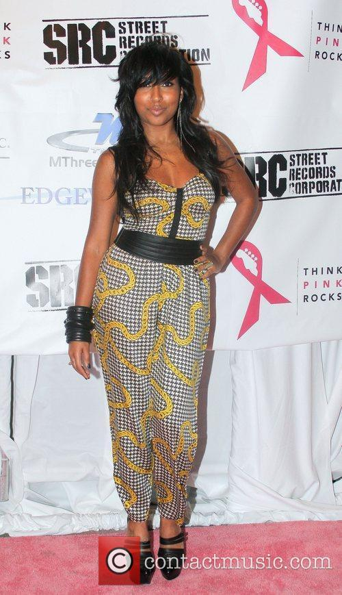 Melanie Fiona  Think Pink Rocks - Arrivals...