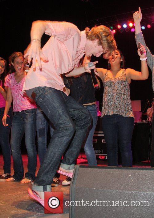 Asher Roth  Think Pink Rocks - Show...