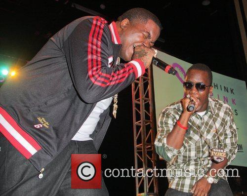 Sean Kingston, Iyaz  Think Pink Rocks -...