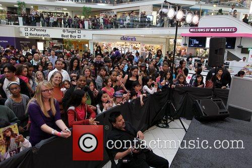 Zendaya Coleman, Bella Thorne and Disney 10