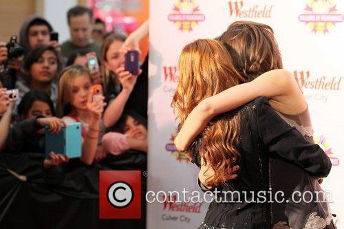 Zendaya Coleman, Bella Thorne, Disney