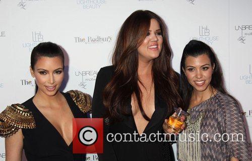 Kim Kardashian, Khloe Kardashian and Kourtney Kardashian 5