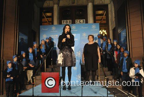 Angie Harmon and Unicef 4
