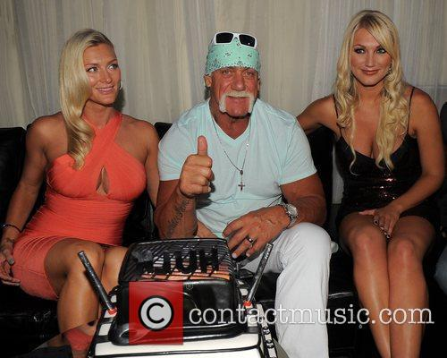 Hulk Hogan, Brooke Hogan and Jennifer Mcdaniel 9