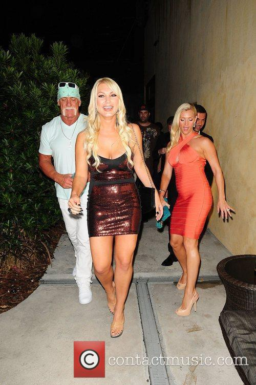 Brooke Hogan, Hulk Hogan and Jennifer McDaniel 6