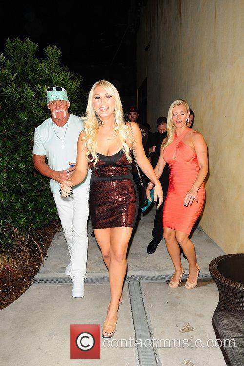 Brooke Hogan, Hulk Hogan and Jennifer McDaniel 7
