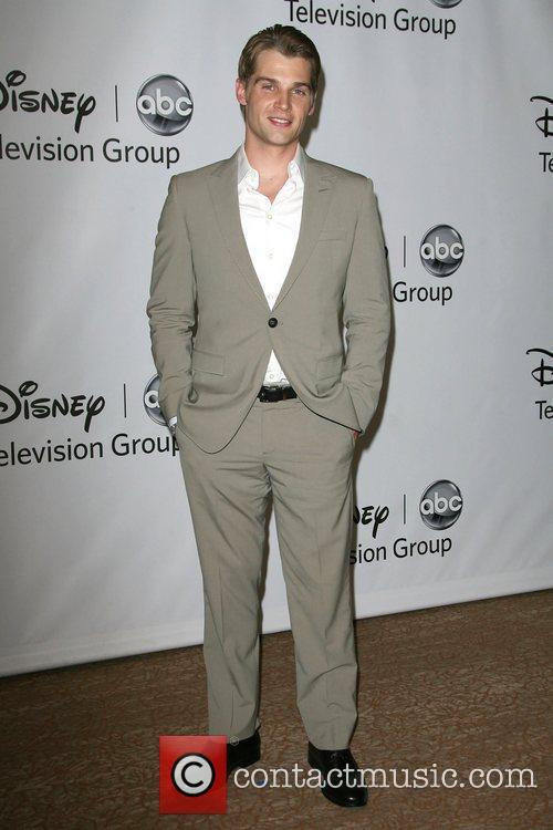 Mike Vogel, ABC Party