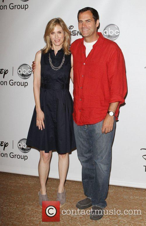 Helen Slater and Andy Buckley 4
