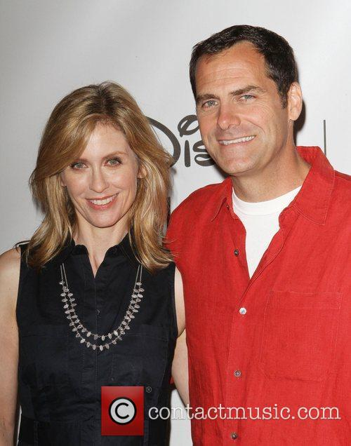 Helen Slater and Andy Buckley 11