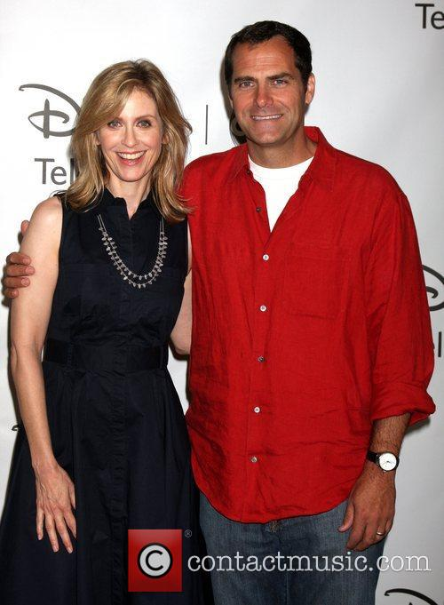 Helen Slater and Andy Buckley 5