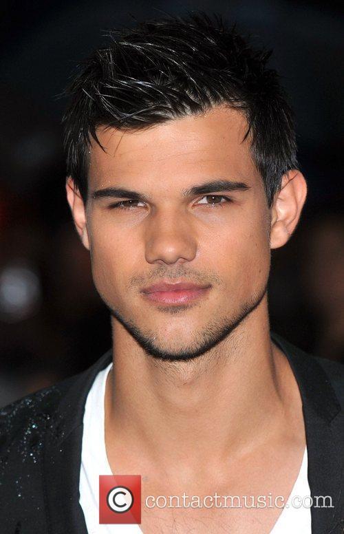 Taylor Lautner Abduction - UK film premiere held...