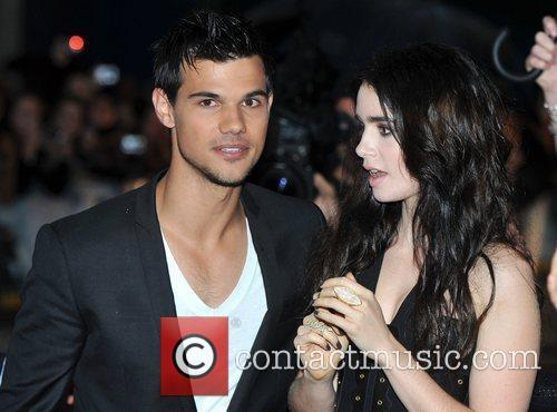 taylor lautner lily collins 5727554