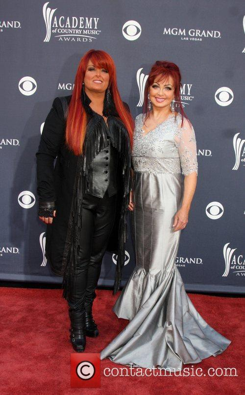 Wynonna Judd and Naomi Judd 4