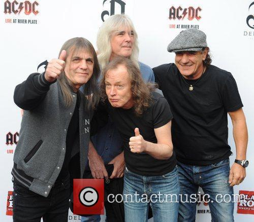 Angus Young, Ac Dc and Brian Johnson 2
