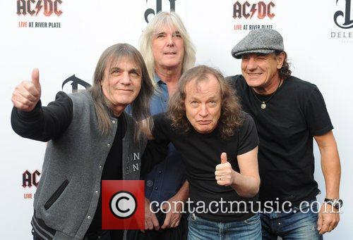 Angus Young, Ac Dc and Brian Johnson 1
