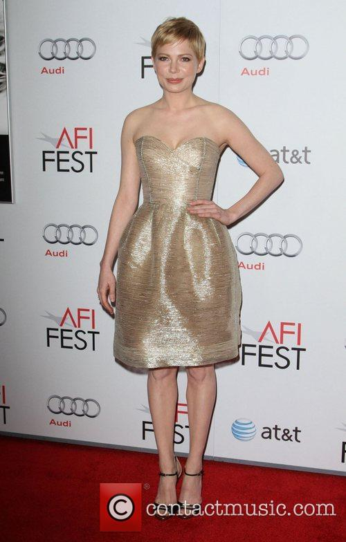 Michelle Williams and Grauman's Chinese Theatre 4