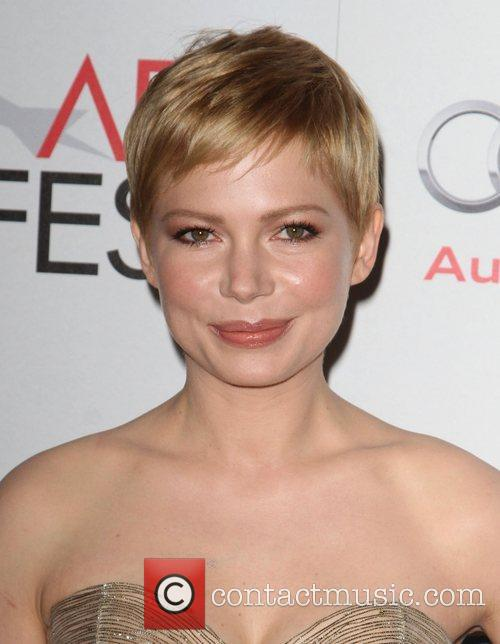 Michelle Williams and Grauman's Chinese Theatre 3