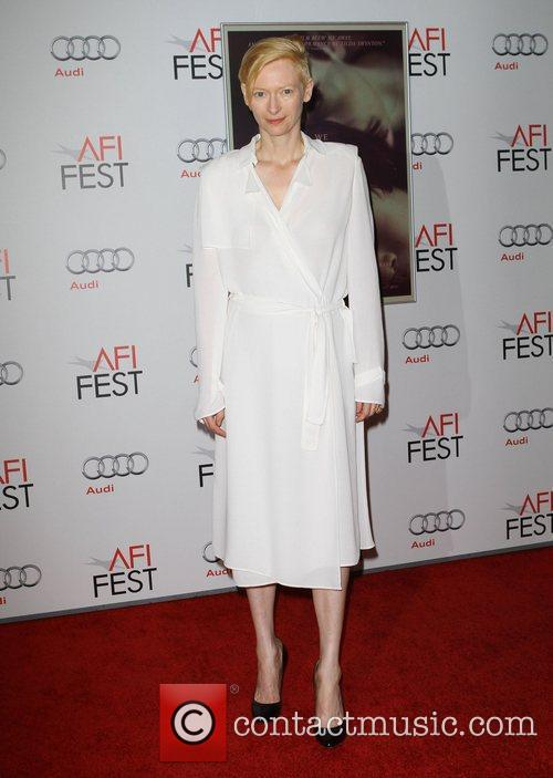 Tilda Swinton and Grauman's Chinese Theatre 7