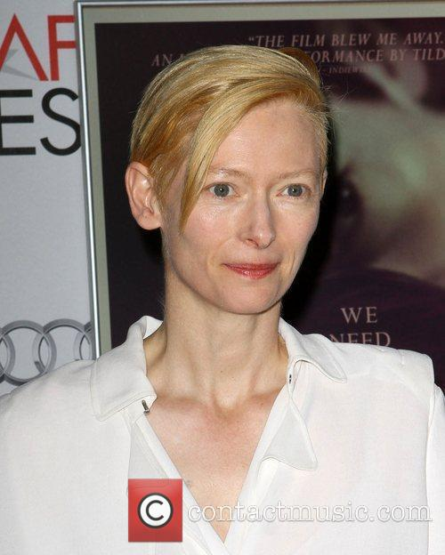 Tilda Swinton and Grauman's Chinese Theatre 10
