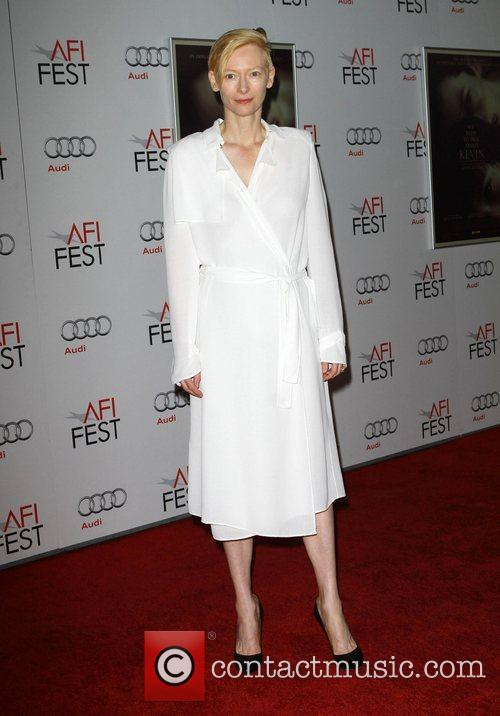 Tilda Swinton and Grauman's Chinese Theatre 5