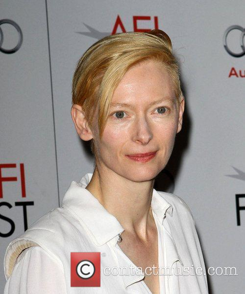 Tilda Swinton and Grauman's Chinese Theatre 8