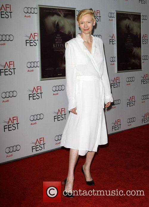 Tilda Swinton and Grauman's Chinese Theatre 4