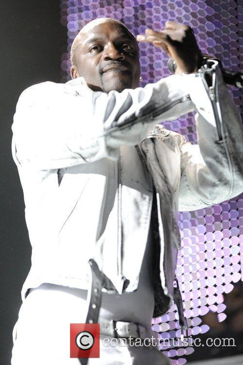 Akon 11