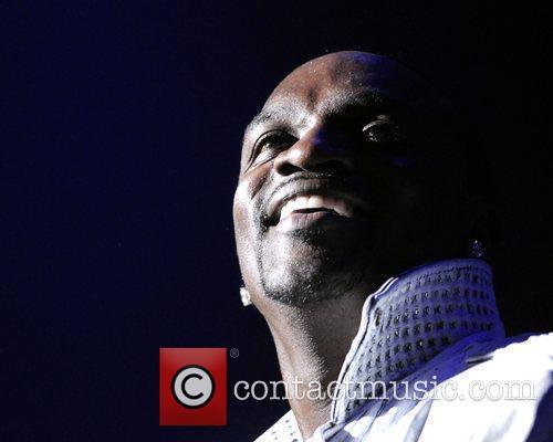 Akon 10
