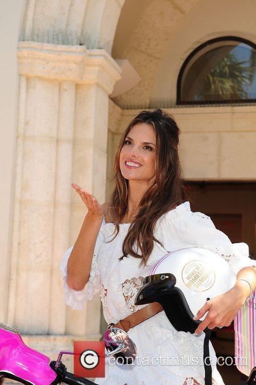 Alessandra Ambrosio 18