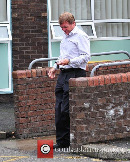 Kenny Dalglish  visits Steven Gerrard in hospital...