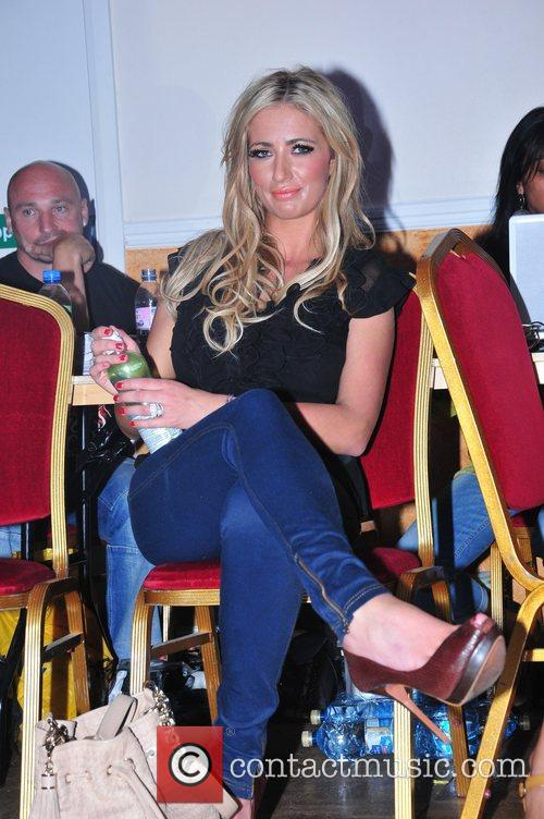 Chantelle Houghton  Press conference and weigh-in ahead...