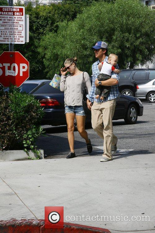 Ali Larter and Hayes Macarthur 8