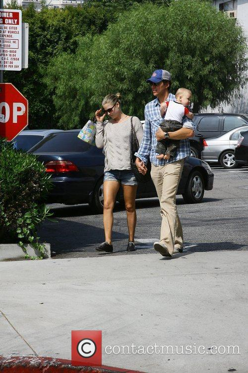 Ali Larter and Hayes Macarthur 7